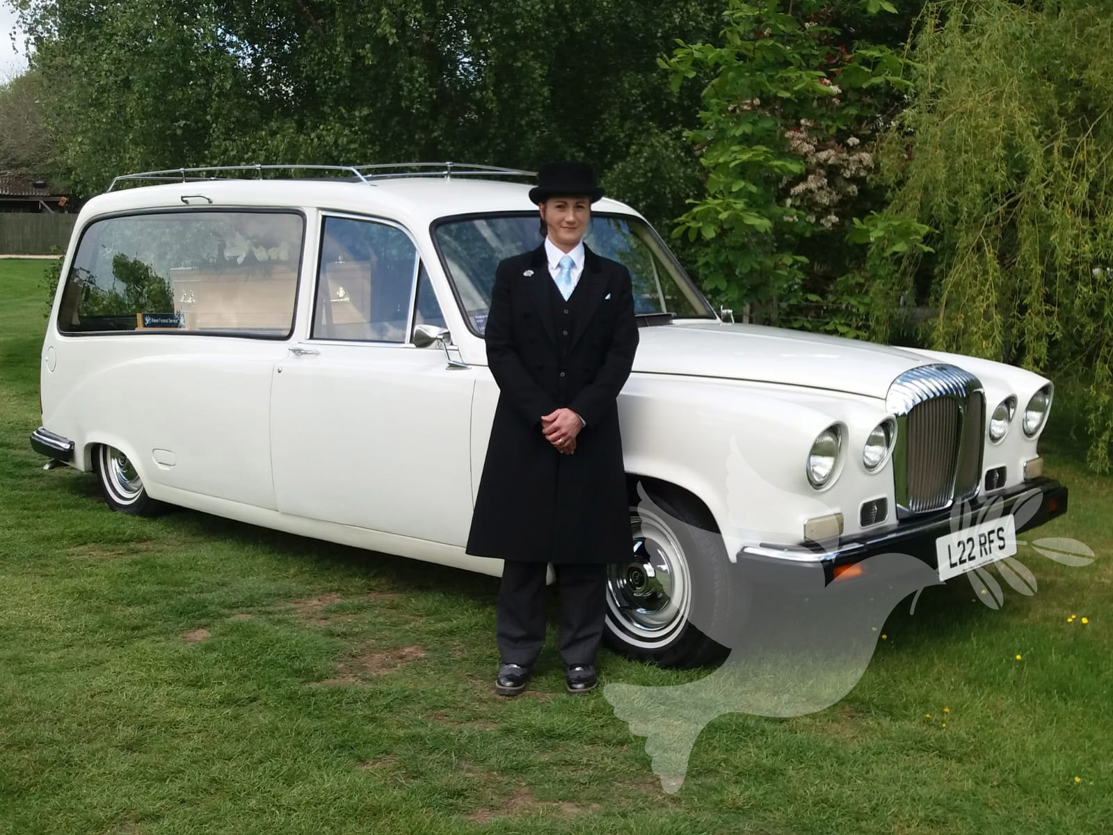 Daimler Jaguar DS420 Hearse in Tudor White