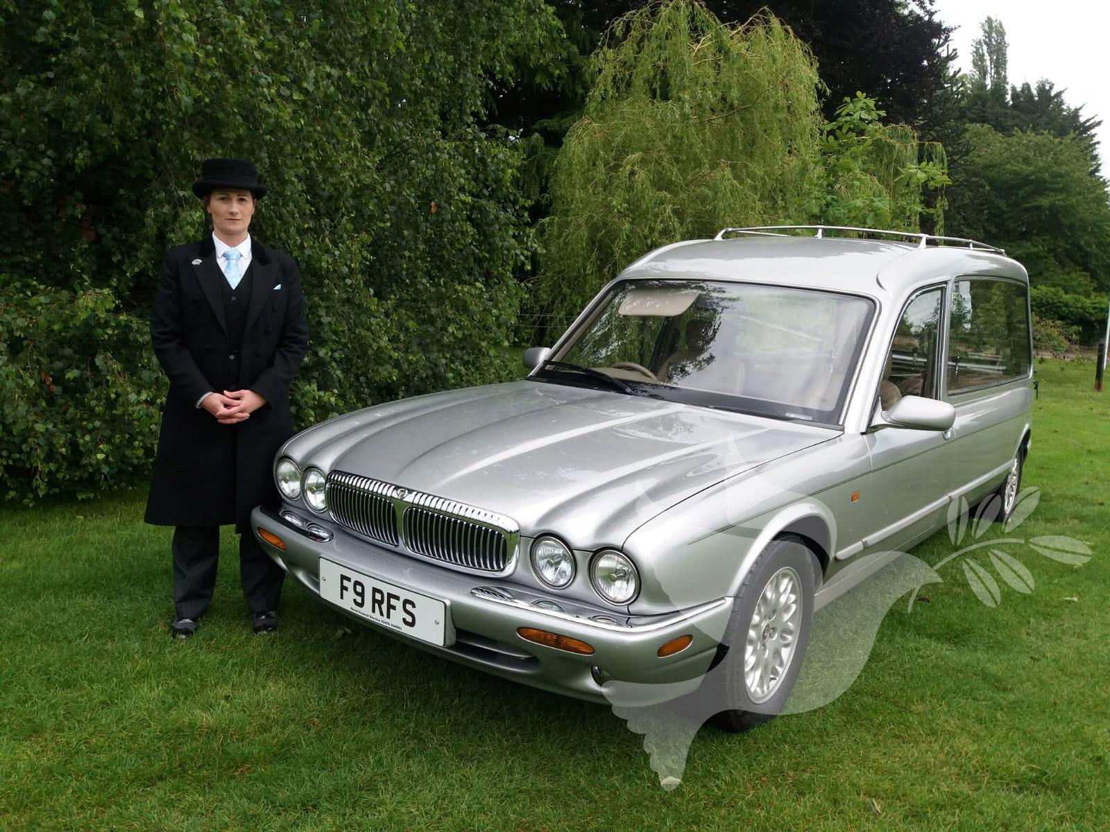Daimler Jaguar XJ Hearse in Georgian Silver