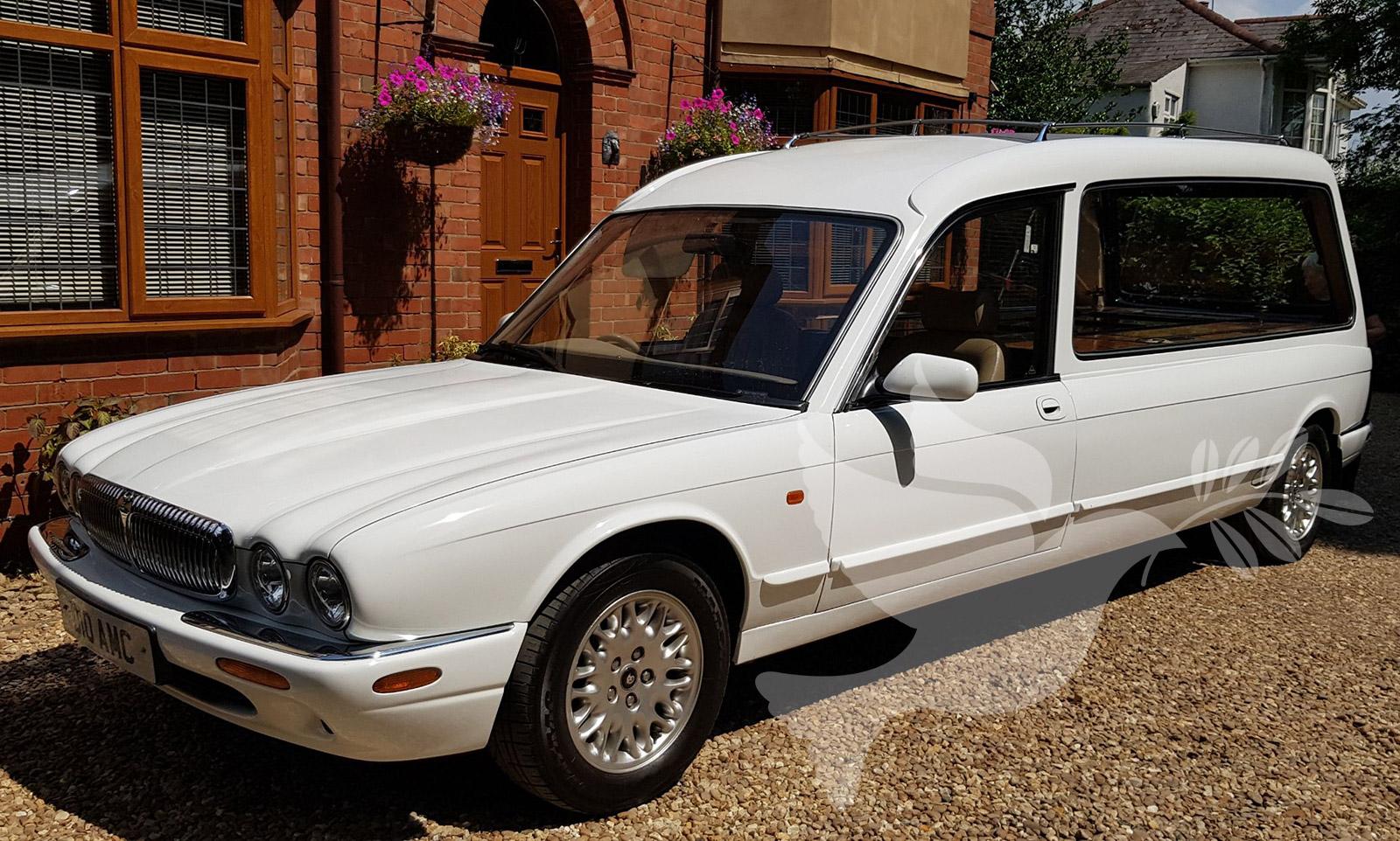 White Daimler/Jaguar XJ 300 Hearse